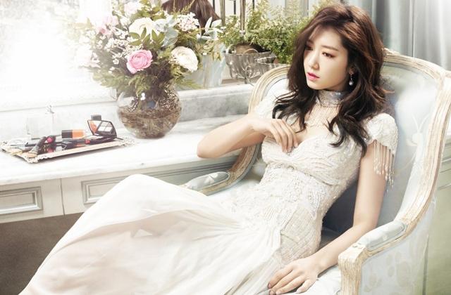 Foto Cantiknya Artis Park Shin Hye