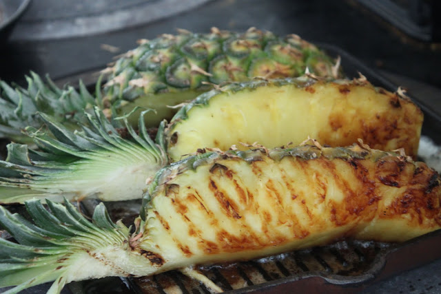 Grilled pineapple with chilli syrup