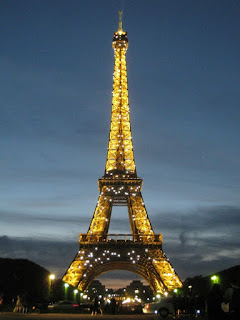Eiffel Tower lights - Paris