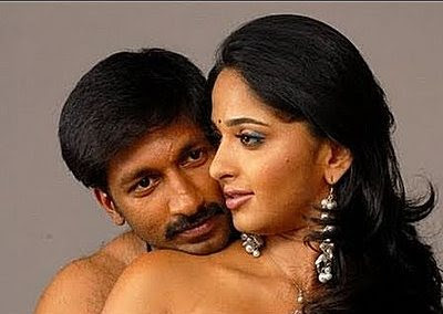 Gopichand Kisses Anushka's Hot Navel Kissing Photos