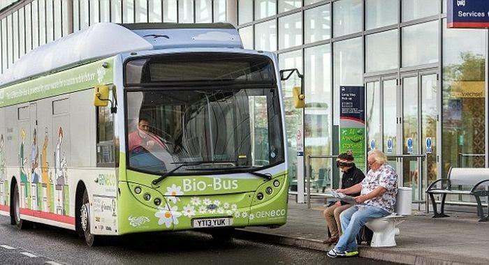 Inghilterra: attivo il bus biometano con escrementi al posto della benzina