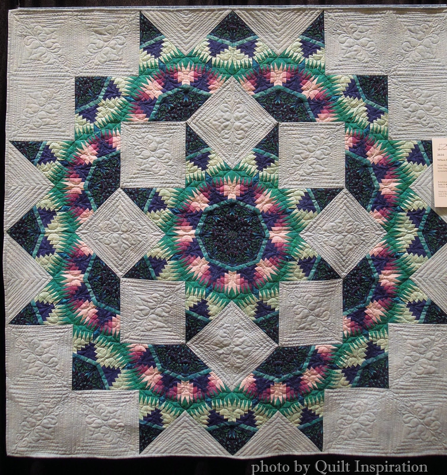 Pineapple delight: Pineapple log cabin quilts! | Quilt Inspiration ... : lone star log cabin quilt pattern - Adamdwight.com
