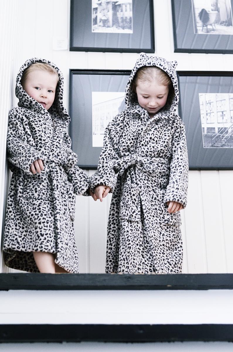 åhlens, barn, morgonrock, leopard