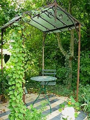 ma maison au naturel un coin romantique dans votre jardin. Black Bedroom Furniture Sets. Home Design Ideas