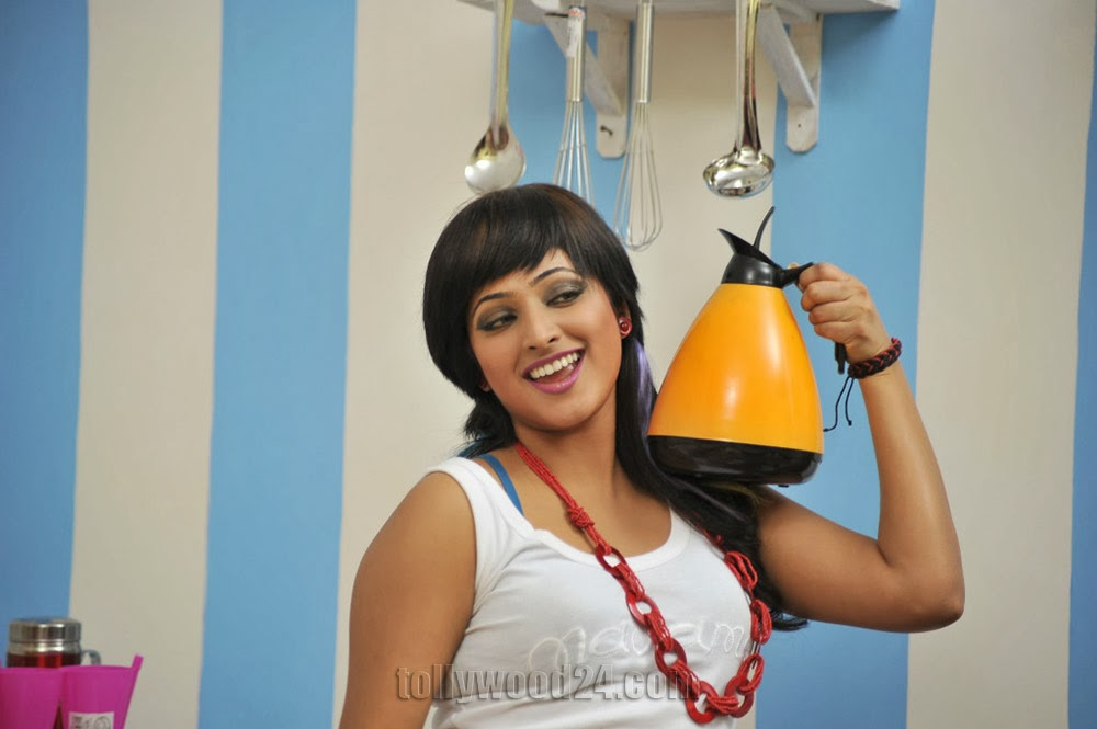 Hari priya hot Photos from Galata-HQ-Photo-19
