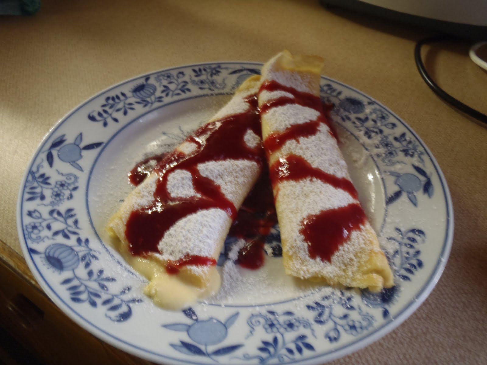Liz's Recipe Blog: Topfen Palatschinken mit selbstgemacht Himbeere ...