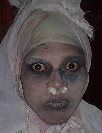gempar!!budakkampung tangkap gambar hantu malam tadi!!!