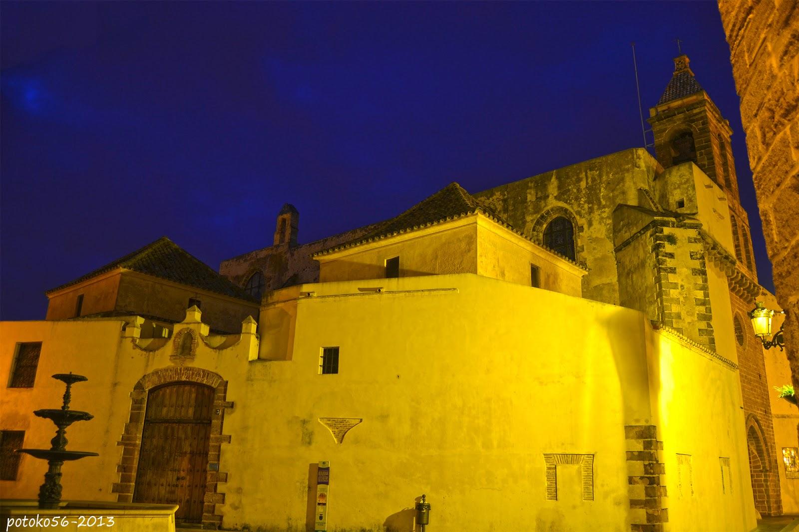 Vista nocturna de la Parroquia de Ntra. Sra. de la O Rota