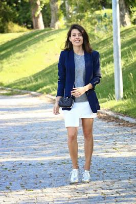 http://ilovefitametrica.blogspot.pt/2015/04/silver-shoes.html