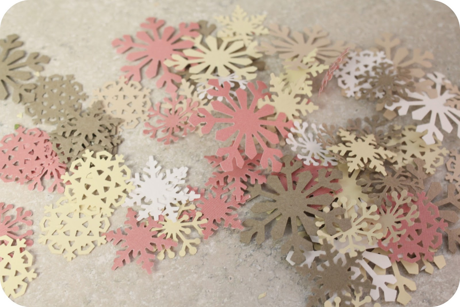 how to make a string of snowflakes