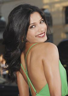 hollywood actress Freida Pinto pics