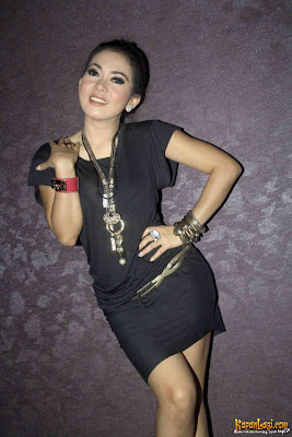 2011 ala syahrini Necklace Vs Dress