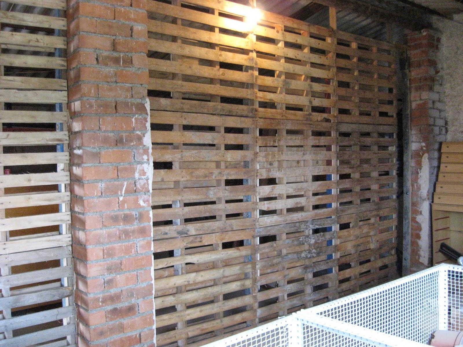 Muebles artesanos de madera jes s gutierr z l zaro tabique con palets - Tabiques de madera ...