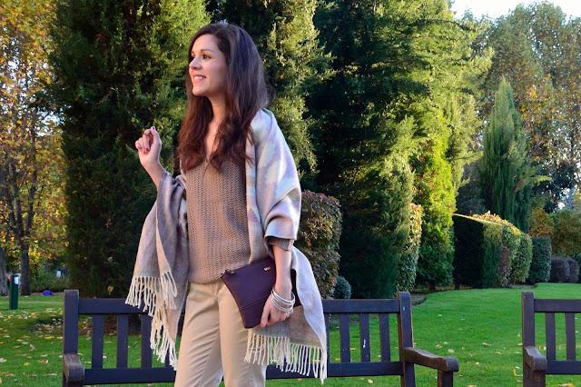 look-classic-outfit-blogger-tonos-tierra-maxi-bufanda-trends-gallery