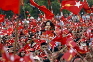 """VÌ SAO """"DÂN CHỦ VIỆT"""" LẠI SÔI SỤC KHI ĐẢNG NLD MYANMAR THẮNG CỬ?"""