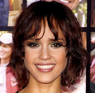Jessica Alba Short Textured Bob Haircut
