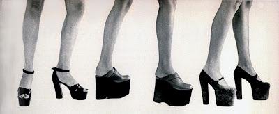 sapatos década de 70.moda anos 70. década de 70.  moda feminina anos 70.