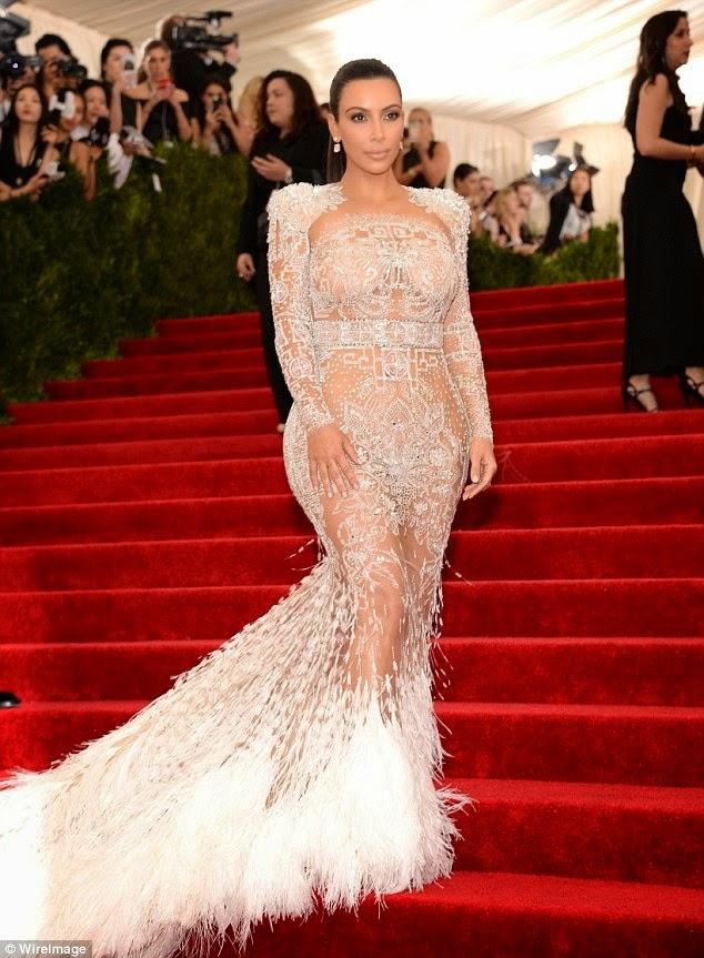 Gaun Transparan Kim Kardashian di Met Gala 2015