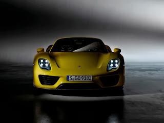 2014-Porsche-918-Spyder-Pictures