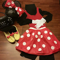 http://www.upcycleddesignlab.com/2015/07/last-minute-minnie-mouse-costume.html