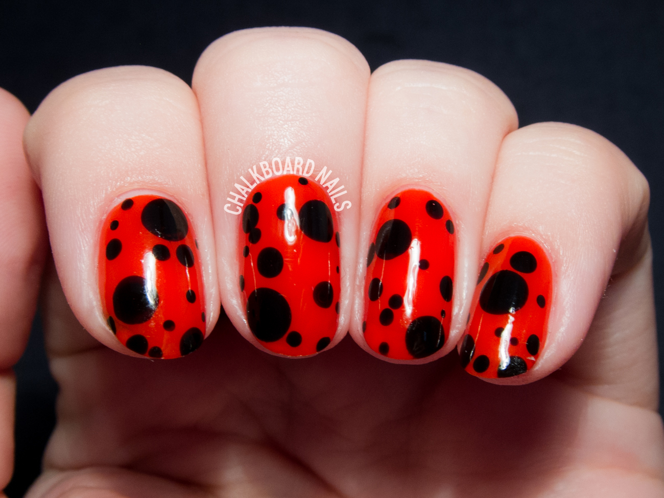 Easy ladybird inspired nail art by @chalkboardnails - Ladybird Inspired Nail Art Chalkboard Nails Nail Art Blog