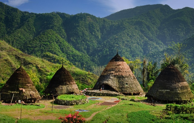 The village can only be reached by way of a three-hour hike (depending on your physical condition) from the lowlands. The hike is definitely worth the ... & ?? Megita: Wae Rebo