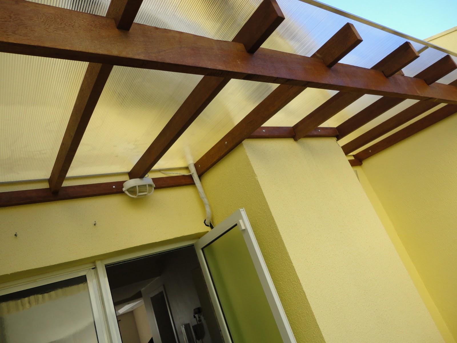TOK RÚSTICO: Chapa de policarbonato com estrutura em madeira #1C5AAF 1600x1200