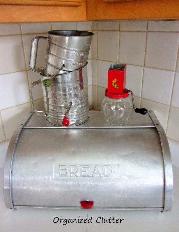 Breadbox www.organizedclutterqueen.blogspot.com