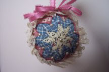 Patchwork Christmas ball 1