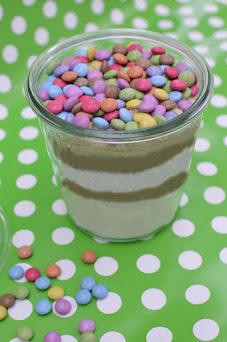 Smarties-Cookies im Glas