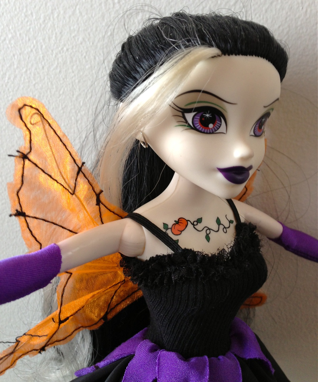 Begoth Olivia O'Lantern doll