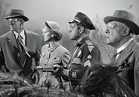 James Arness, Joan Weldon, Edmund Gwenn, and James Whitmore