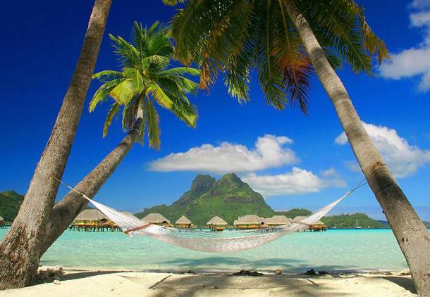 من أروع الشواطئ في العالم على خورة فقط ! matira.png