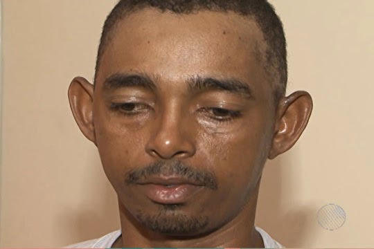 Pedreiro Wellington da Cruz Bispo, 31 anos, foi preso acusado de enforcar, estuprar e enterrar o corpo da cunhada (Foto: Imagens TV Bahia)