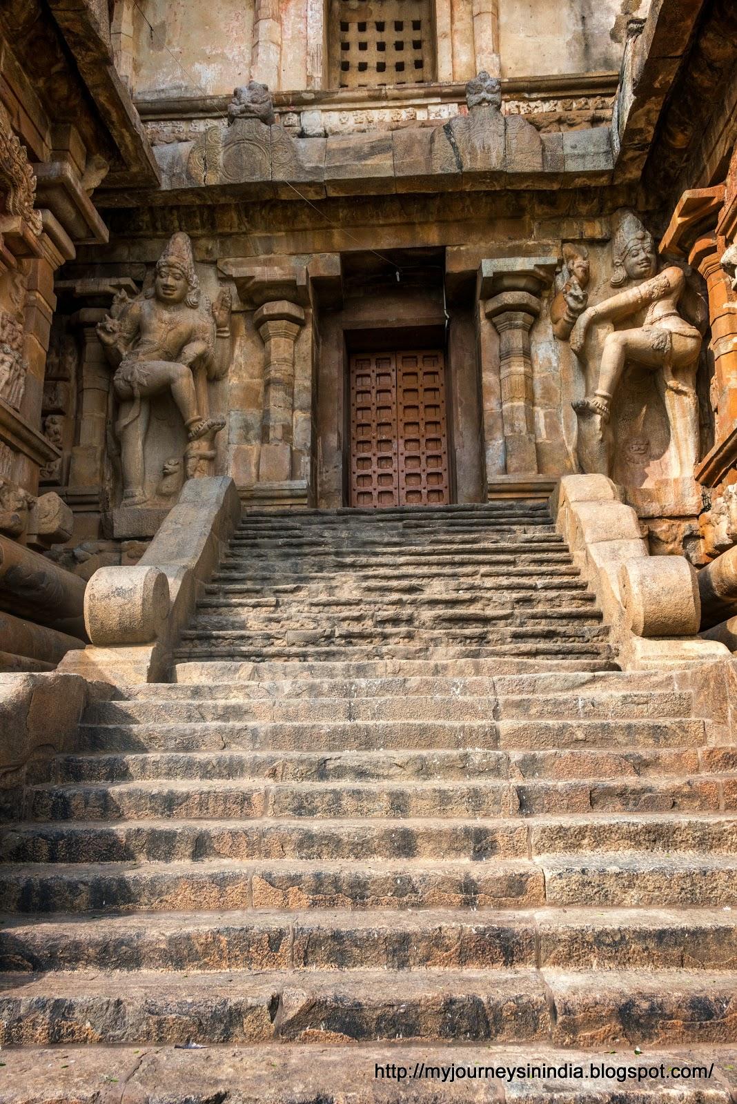 Gangaikondacholapuram Steps to main deity