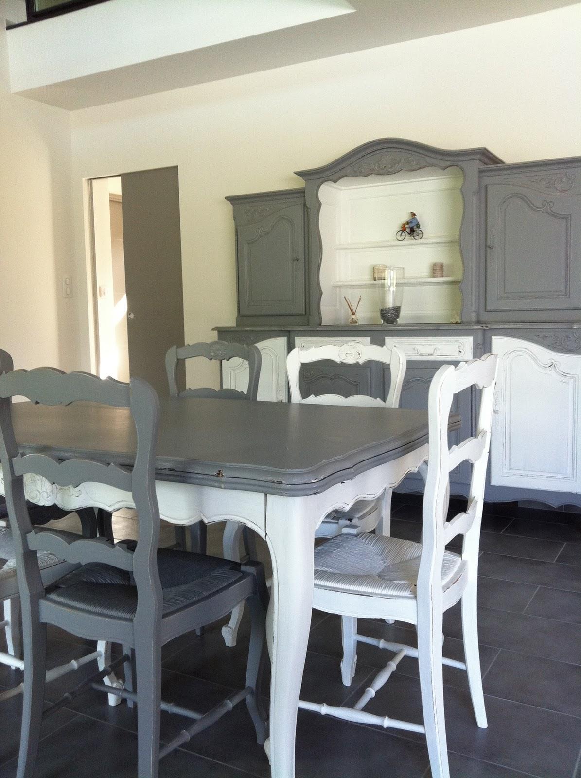 meubles anciens relookes. Black Bedroom Furniture Sets. Home Design Ideas