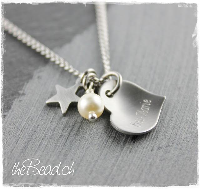 Halskette mit graviertem Herzchen