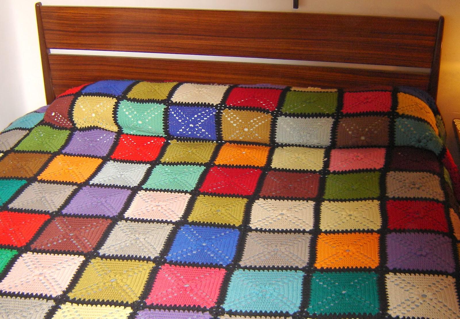 Bordados ganchillo y punto 1er cumplea os del blog for Colchas de punto de lana
