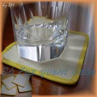 Apoio de copo feito com material reciclável