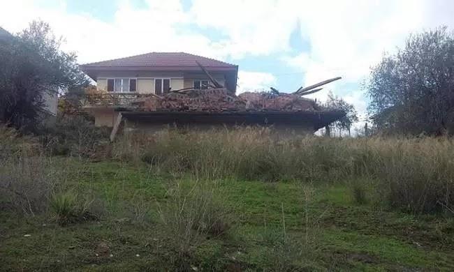 Kατεδάφισαν λάθος σπίτι στο Αγρίνιο