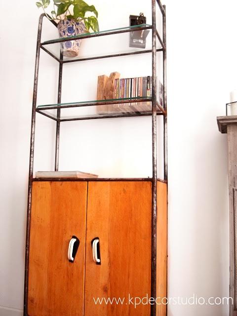 Venta de armarios vintage. Estanterías antiguas originales y baratas en valencia. Estantería industrial retro