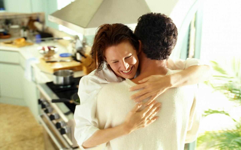 http://1.bp.blogspot.com/-gOro_K9WwHs/TsTYWj9Af0I/AAAAAAAABKk/Ci8zGCsJKrY/s1600/Love-Couple-desktop-Wallpapers-HD-photo-images-24.jpg