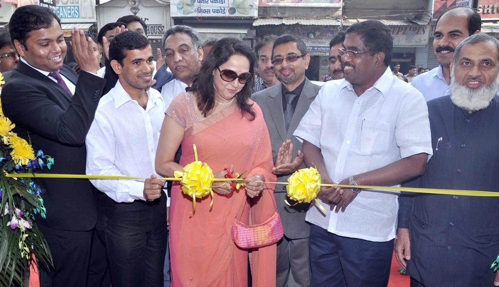 Dwarka Parichay News - Info Services: Malabar Gold announce its ...