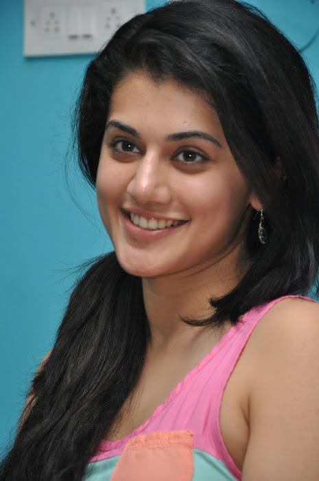 tapsee new hot images