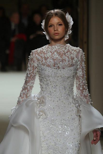 جورج حبيقه - Georges Hobeika Couture Spring Summer 2012 105.jpg