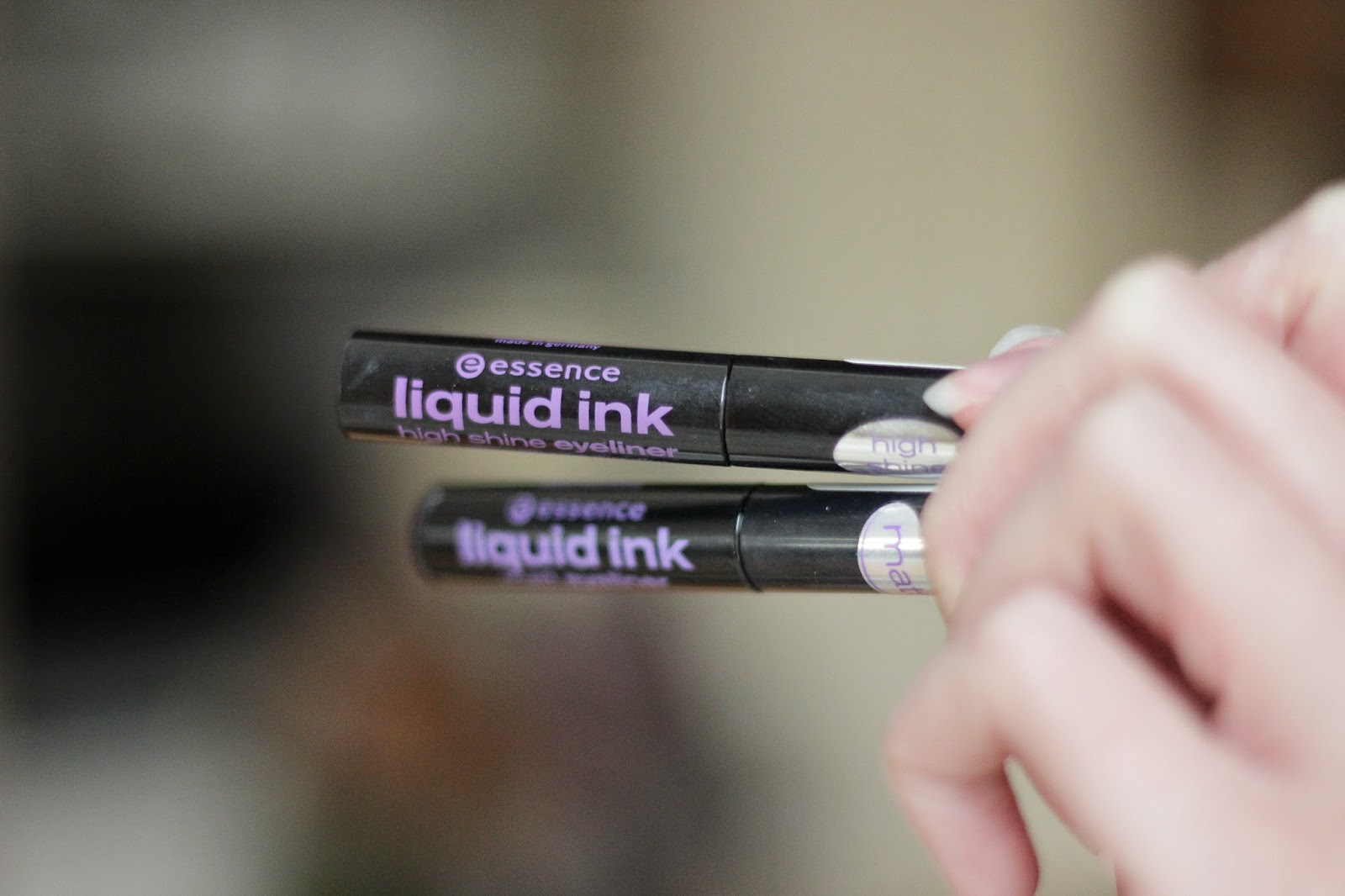 essence liquid ink matt eyeliner liquid ink high shine eyeliner