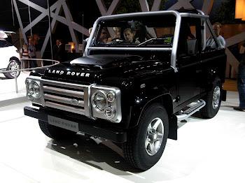 Land Rover apresenta o novo Defender no Salao de Frankfurt 2011