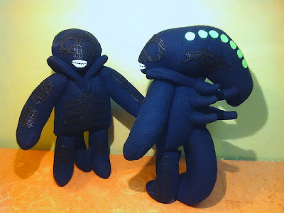 6427311095 4cf5ecab45 z Plush Aliens, Trap Jaw, and Vampire