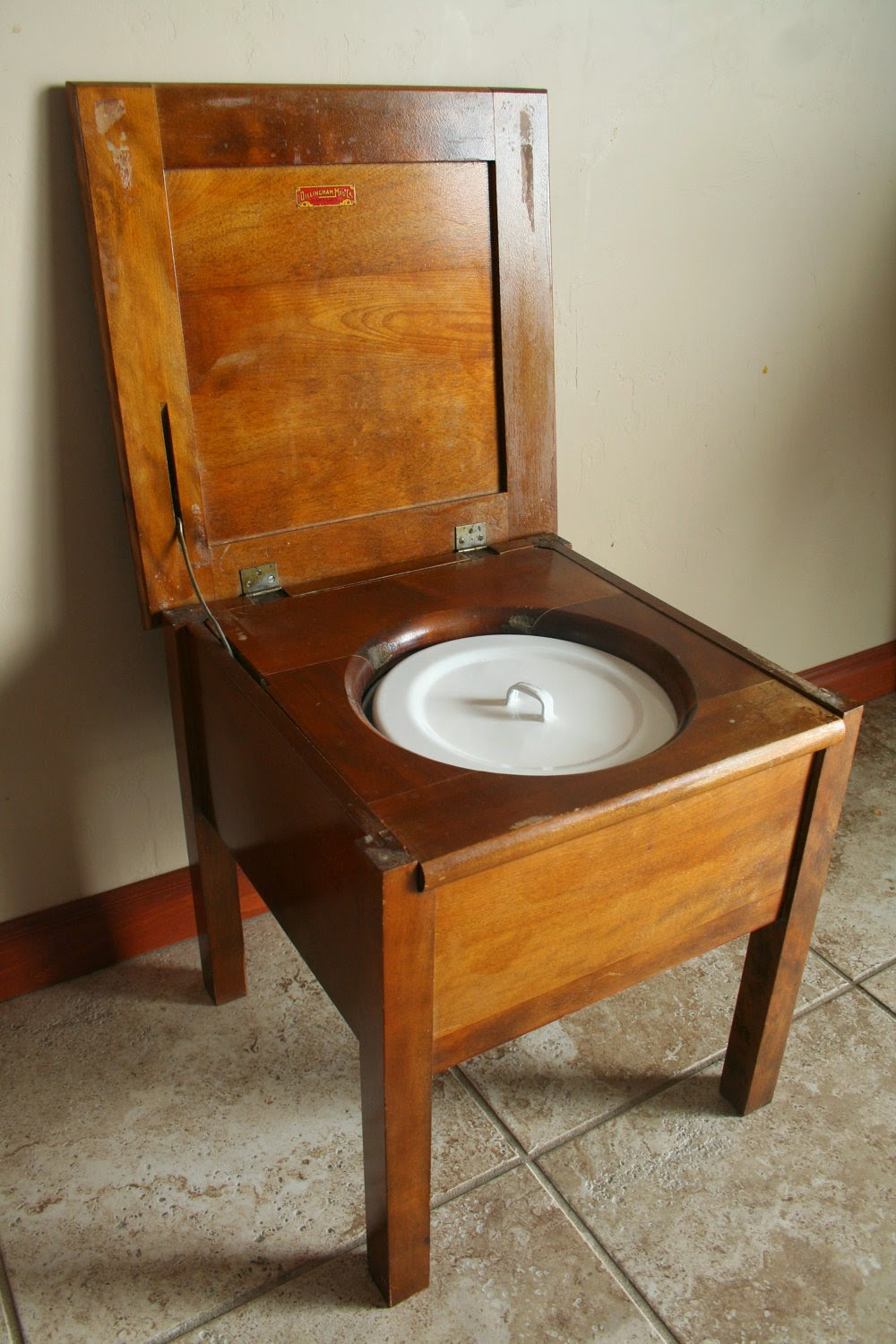 Yours Truly, Constable Dooley: Ala Commode