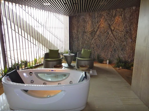 - Rayana Spa at Hyatt Capital Gate Abu Dhabi (United Arab Emirates) - Best Luxury Boutique Spa